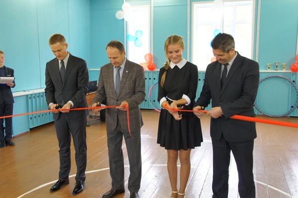 В школе Ярославской области отремонтировали спортивный зал