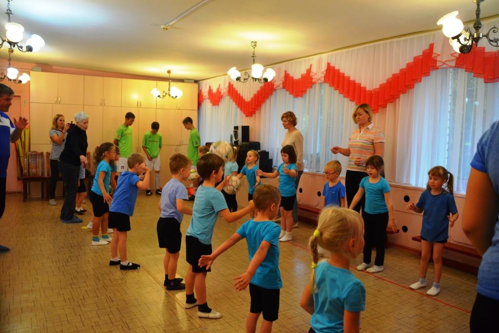 В ярославском детском саду прошли мастер-классы по художественной гимнастике и мини-футболу