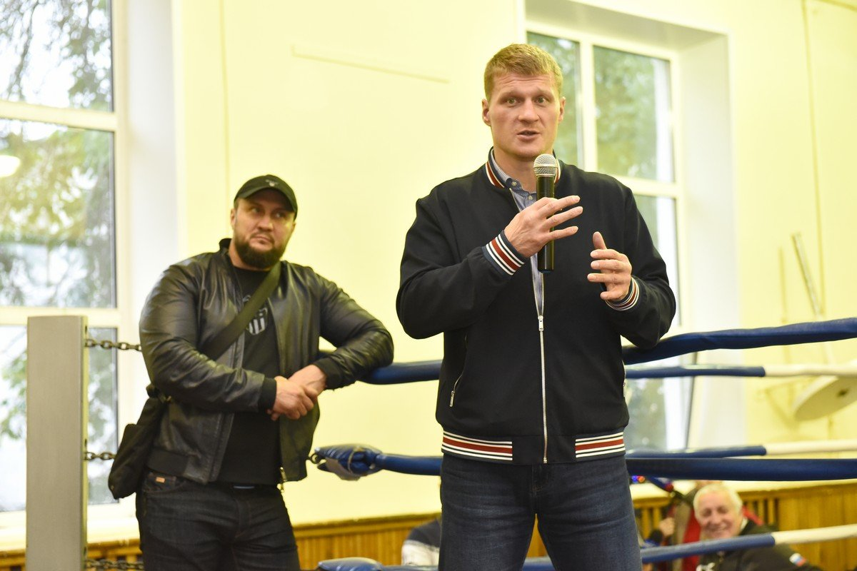 Олимпийский чемпион Александр Поветкин провел тренировку в Ярославле
