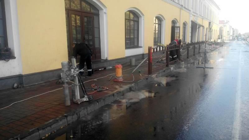 В центре Рыбинска устанавливают защитные экраны