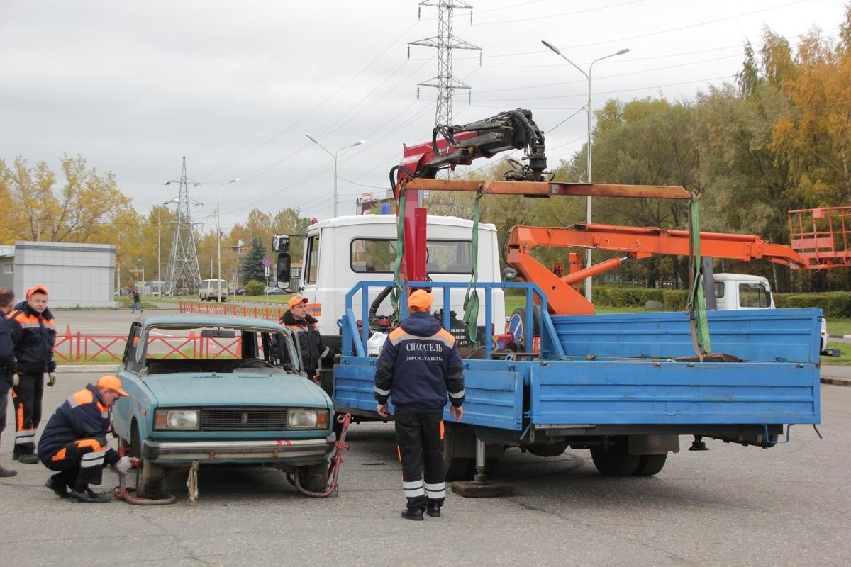 Пожар, автокатастрофа и пострадавший на высоте: ярославские спасатели показали класс – фото