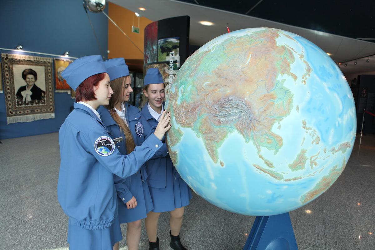 К звездным мирам. Чем запомнилась Всемирная неделя космоса в Ярославле
