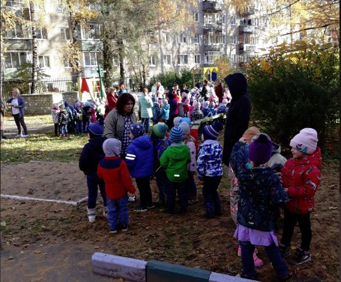 В Ярославле из садика эвакуировали две с половиной сотни детей