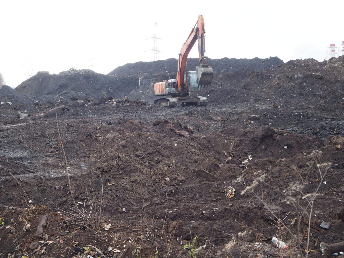 На территории полигона «Скоково» началось создание комплекса по дроблению строительных отходов