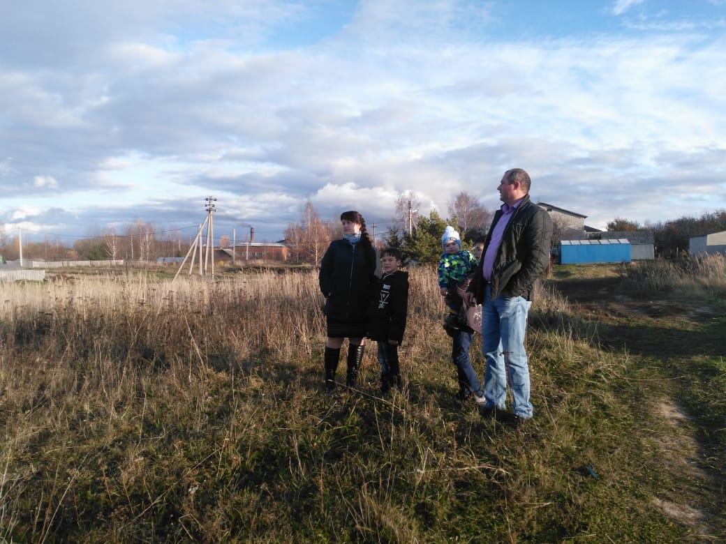Семь семей бесплатно получили земельные участки в Ростовском районе
