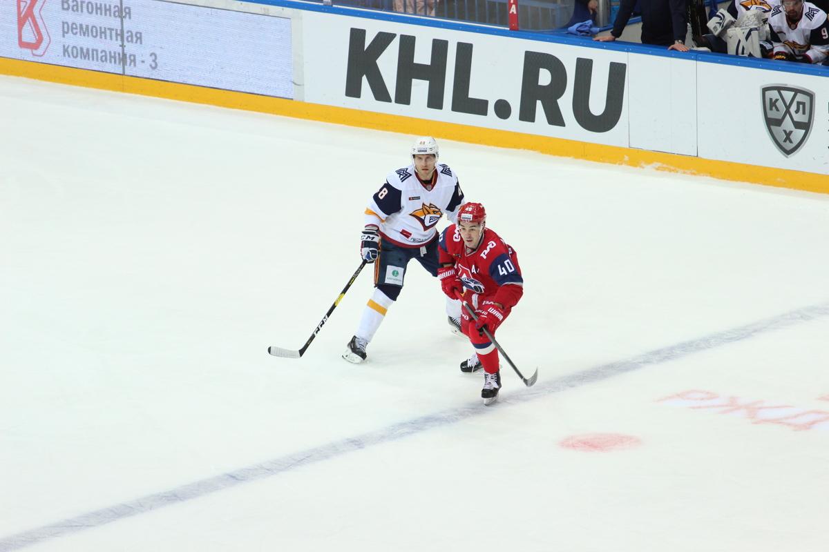 «Локомотив» на своем льду обыграл магнитогорский «Металлург»