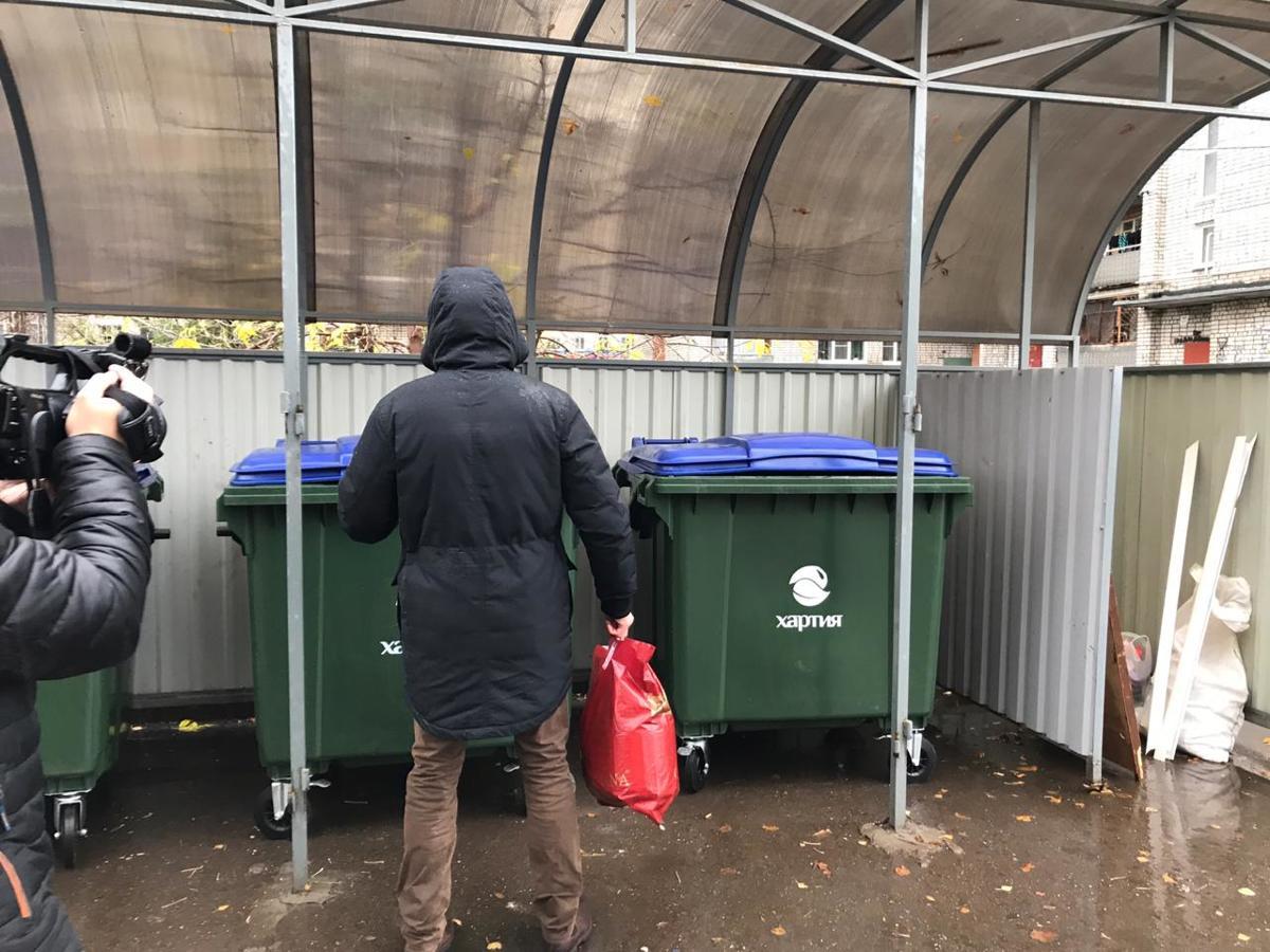 В Рыбинске установлено 100 новых современных евроконтейнеров для сбора твердых коммунальных отходов