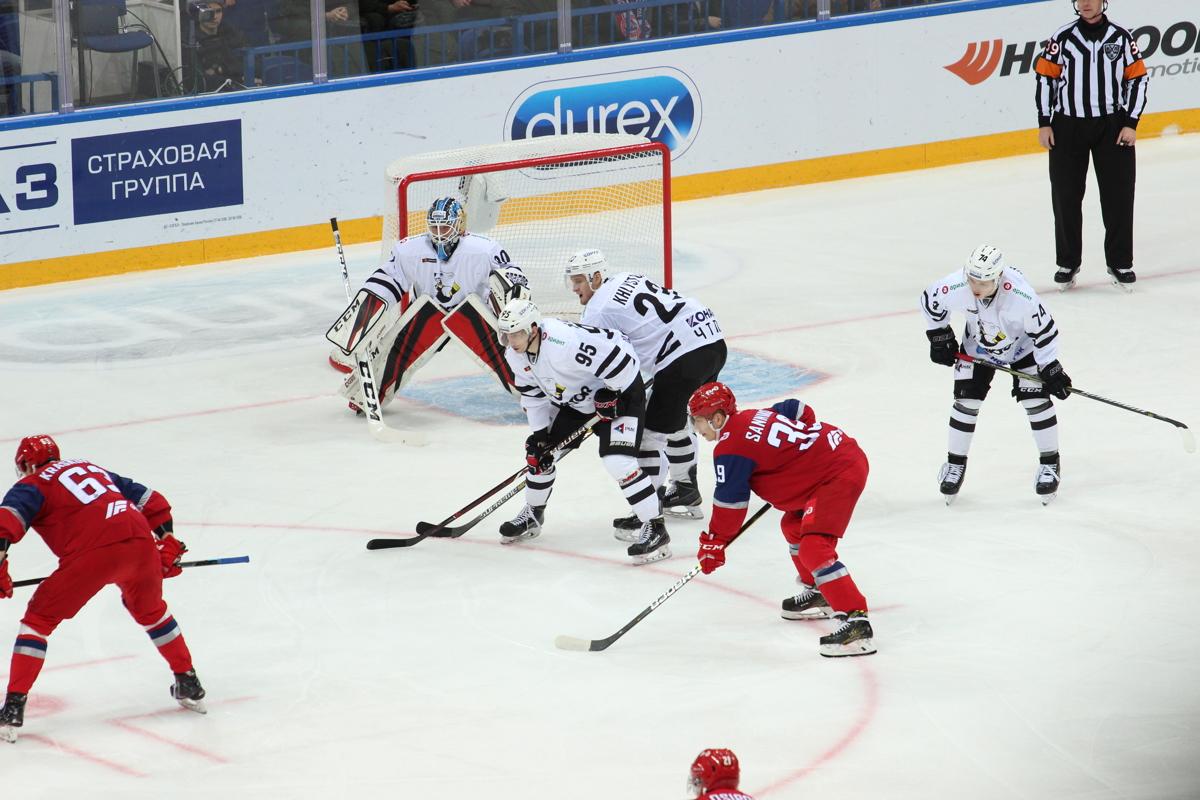 «Локомотиву» хватило одного гола для победы над «Трактором»