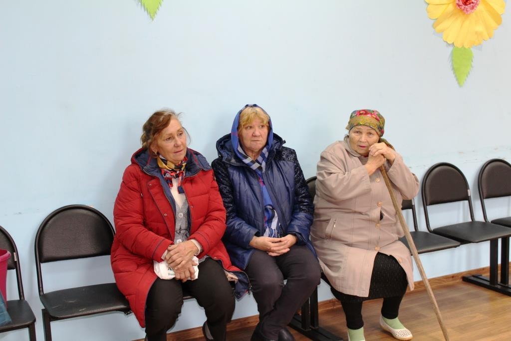 Волонтеры-медики совместно со специалистами центра здоровья посетили 15 фельдшерско-акушерских пунктов региона