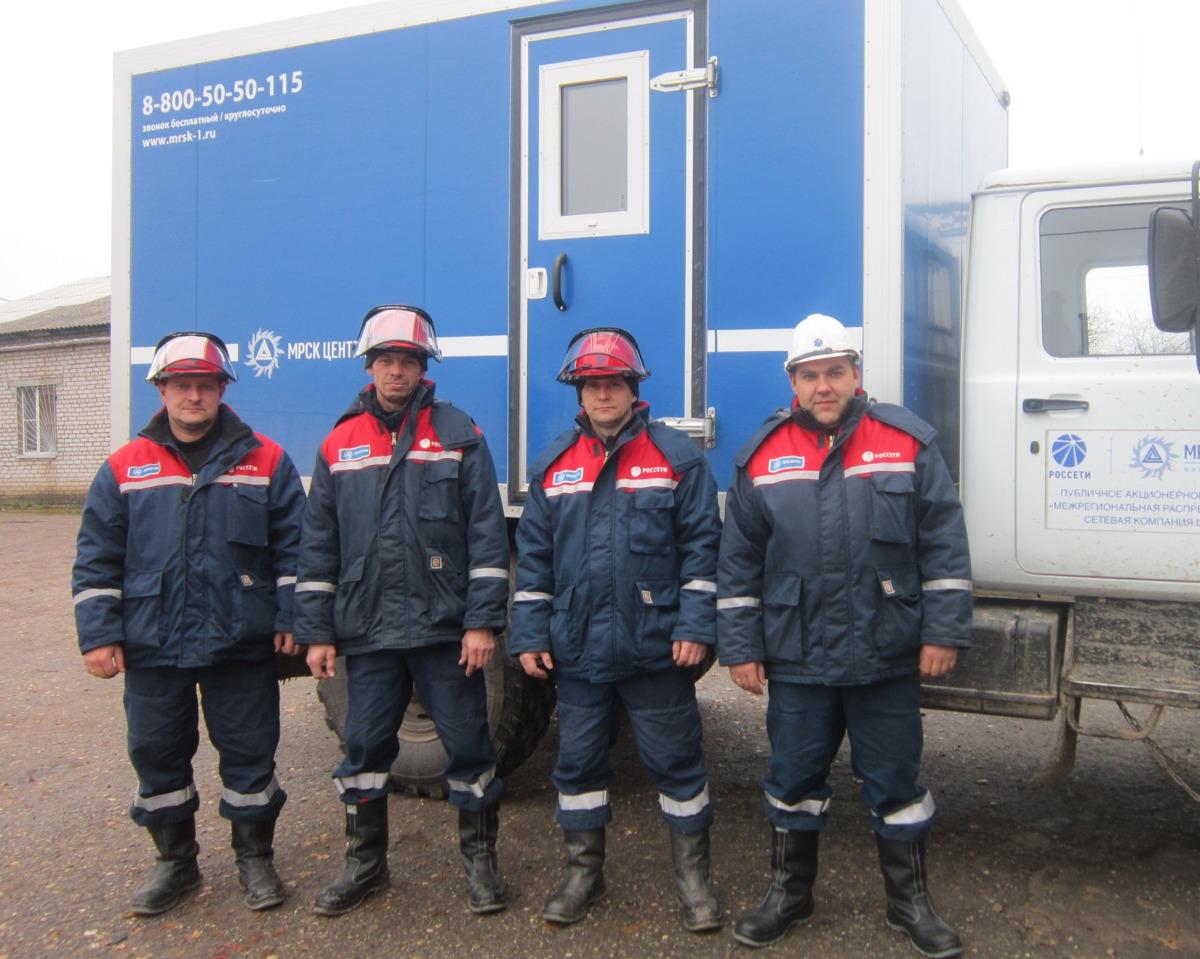 Бригада Брейтовского РЭС Ярэнерго предотвратила пожар в деревне Медухово