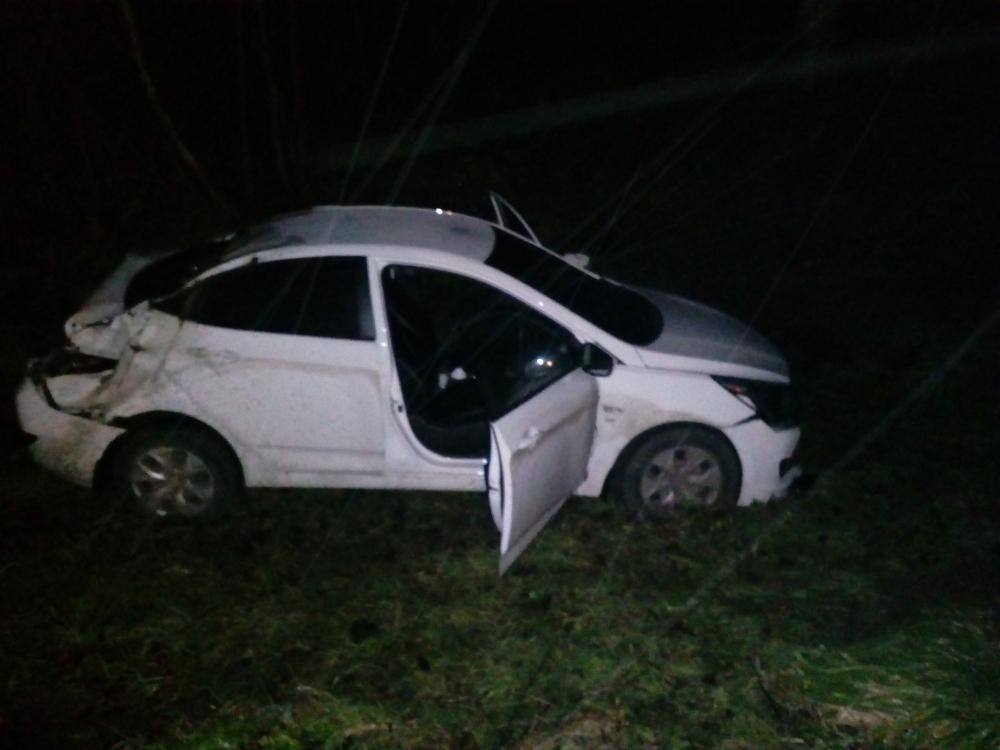 На трассе Ярославль – Рыбинск иномарка вылетела в кювет: пострадал водитель