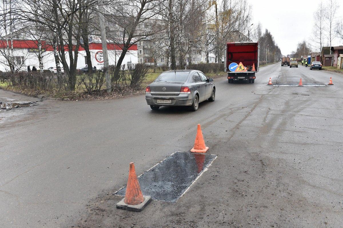 В Ярославле приступили к ремонту дорог литым асфальтом