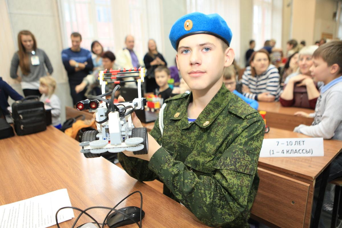Юные ярославцы создали уникальных роботов для сельского хозяйства: фото
