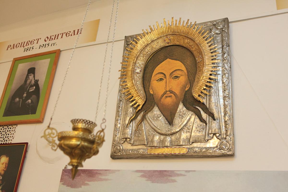 Минин и Пожарский вернутся в Ярославль. Как возрождают монастырь в центре города