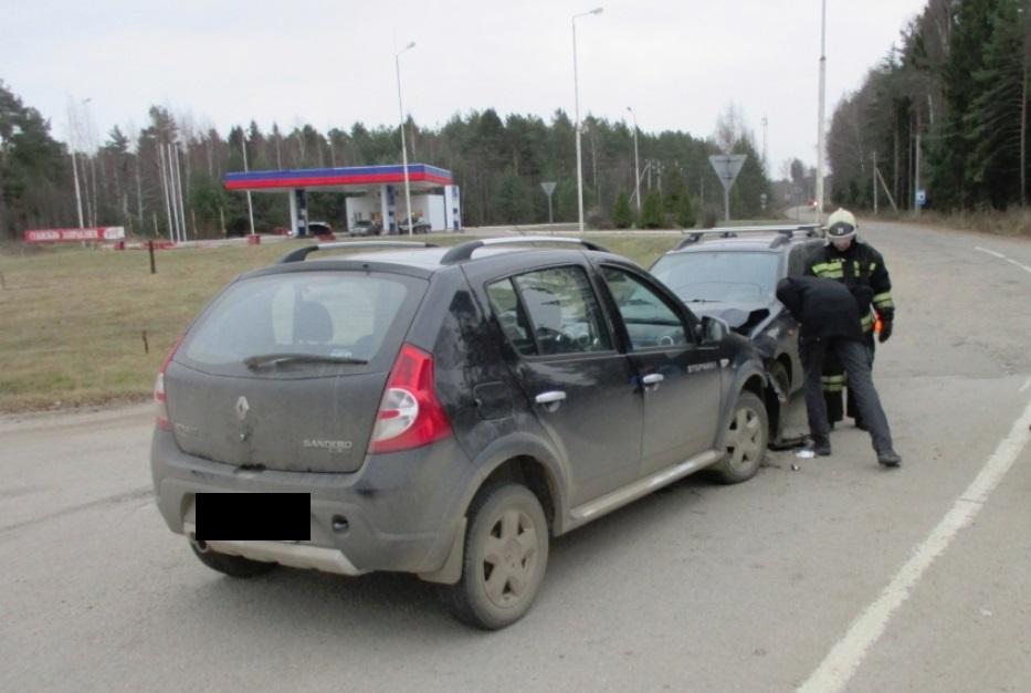В пьяном ДТП на трассе М8 под Ярославлем пострадали двое детей