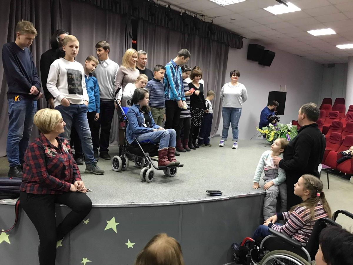 В Ярославле покажут инклюзивный спектакль с особенными детьми «Мы все из одной глины»