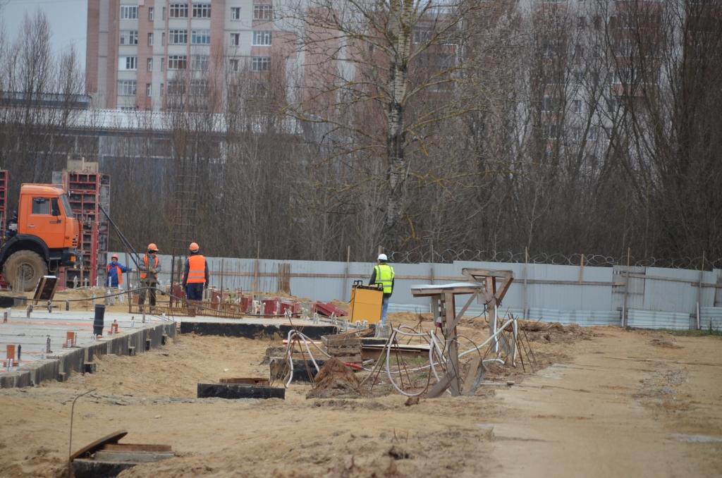 На стройке крупнейшего ФОКа в Ярославле завершены работы по установке фундамента