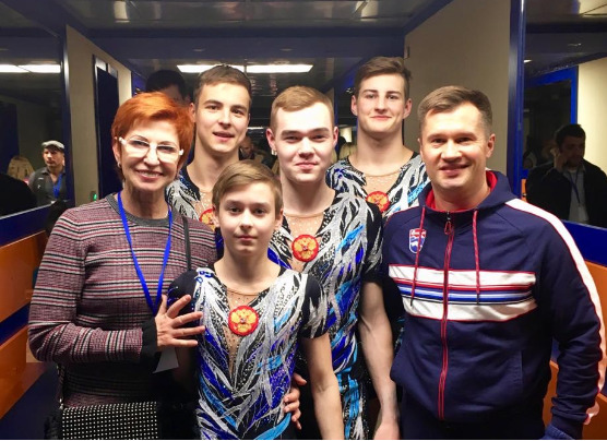 Ярославские акробаты участвуют в уникальном шоу Алексея Немова