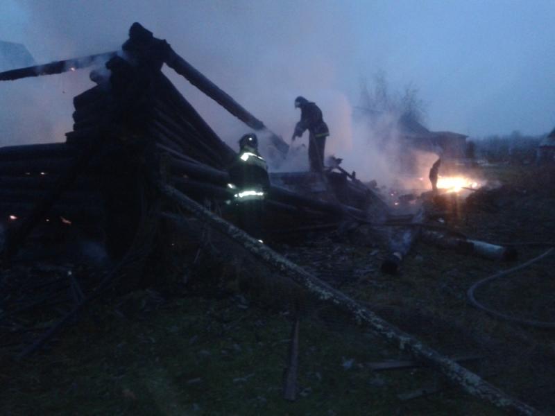 Крупный пожар в Рыбинском районе тушили шесть часов: погиб мужчина