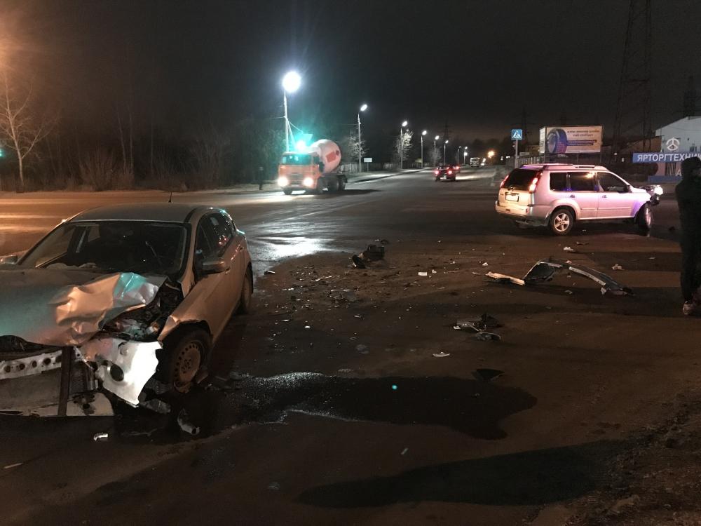 Пенсионерка пострадала в результате столкновения двух иномарок в Ярославле
