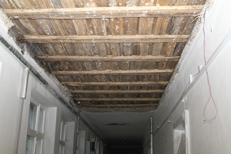 Аварийную школу в Рыбинске должны отремонтировать до конца второй четверти