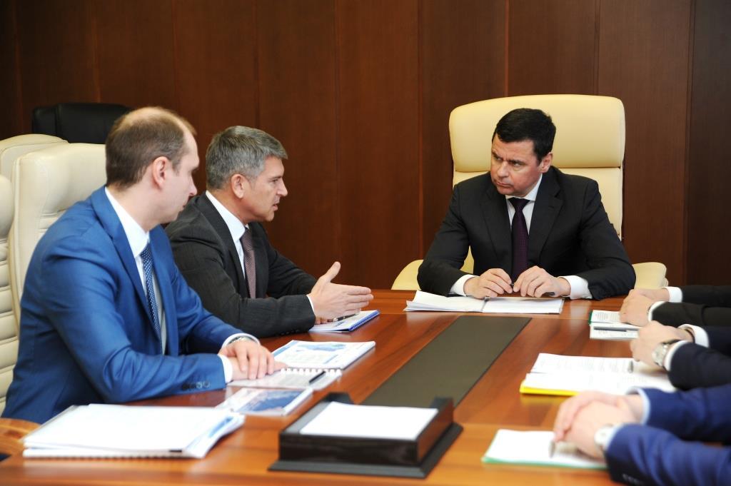 Дмитрий Миронов обсудил с генеральным директором МРСК Центра Игорем Маковским перспективы развития электросетевого комплекса региона на базе внедрения цифровых технологий