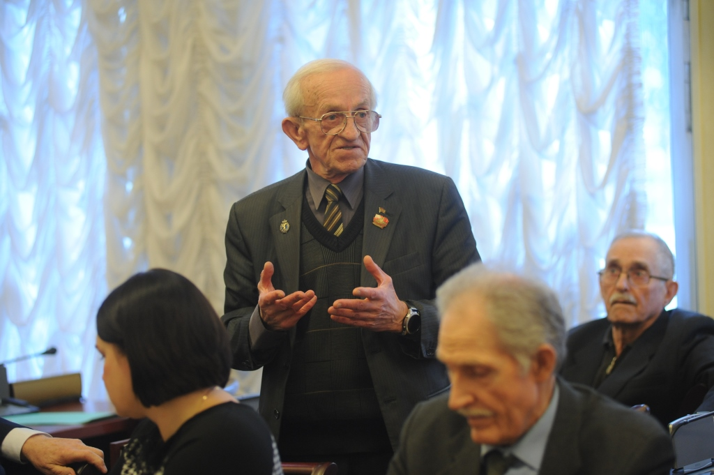В правительстве области прошло заседание расширенного президиума ветеранских организаций