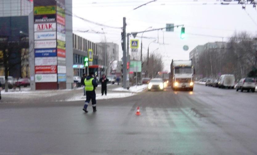 10-летняя девочка пострадала при столкновении автобуса и легковушки в Ярославле