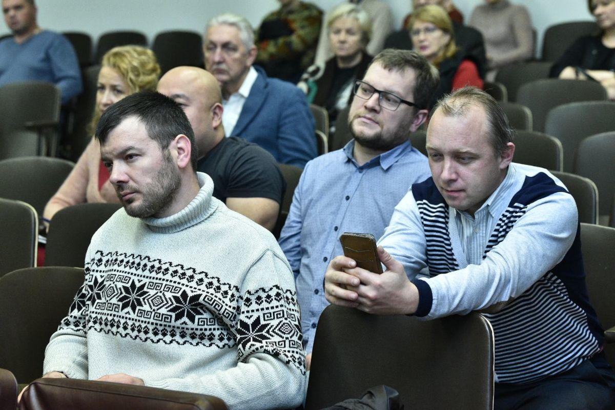 Участники общественных обсуждений одобрили перечень дорог, которые будут отремонтированы в следующем году
