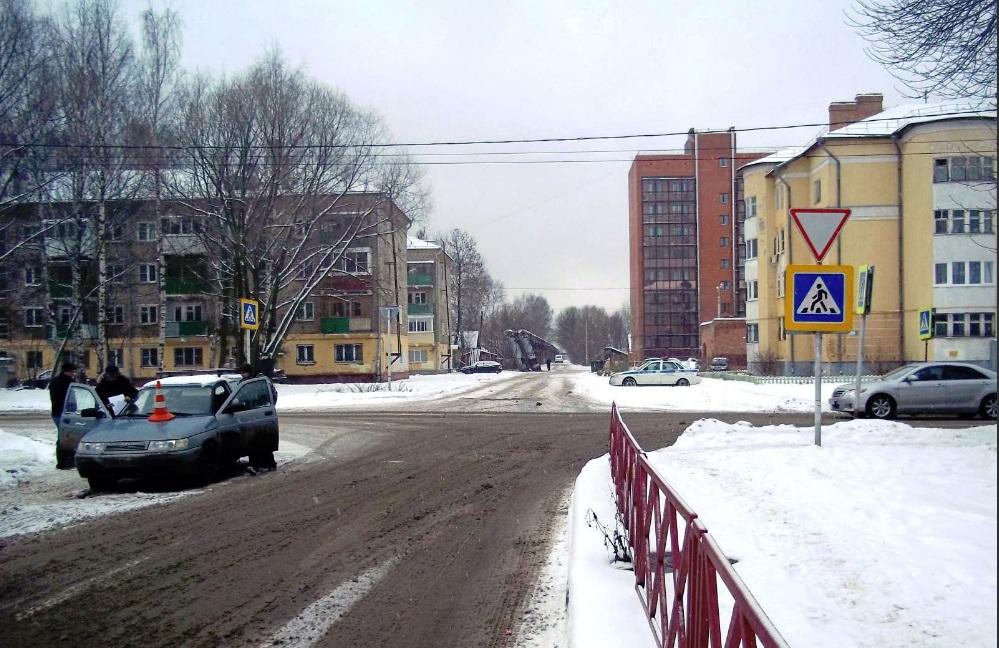 На Красном Перекопе в Ярославле ВАЗ сбил 77-летнюю женщину