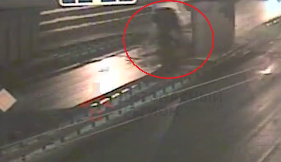 Появилась видеозапись смертельного ДТП на Московском проспекте в Ярославле