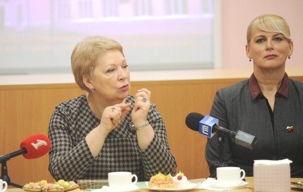 Министр просвещения провела в Ярославле урок, посвященный 25-летию Конституции РФ
