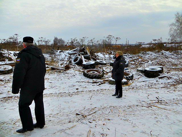 На участке жителя Ярославской области организация устроила незаконную свалку