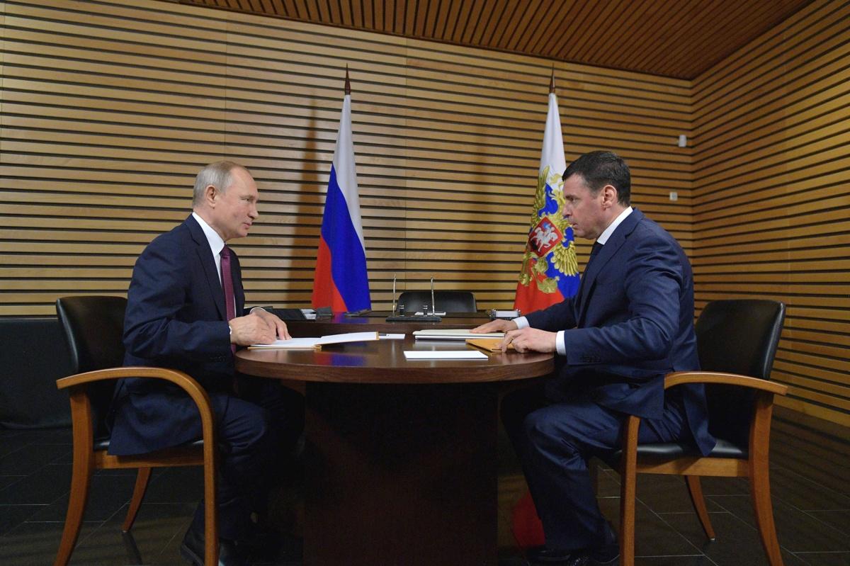 Миронов – Путину: в следующем году планируем ввести 250 километров дорог