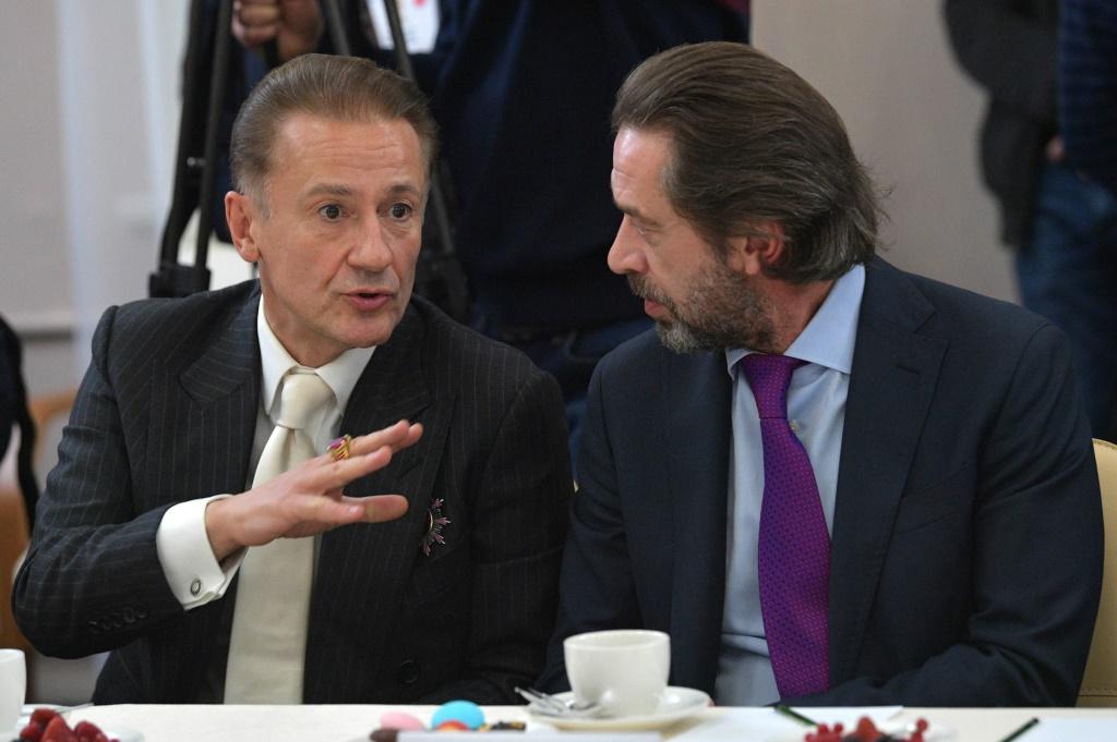 Машков, Меньшиков и другие звездные актеры встретились с Путиным в Ярославле: фоторепортаж