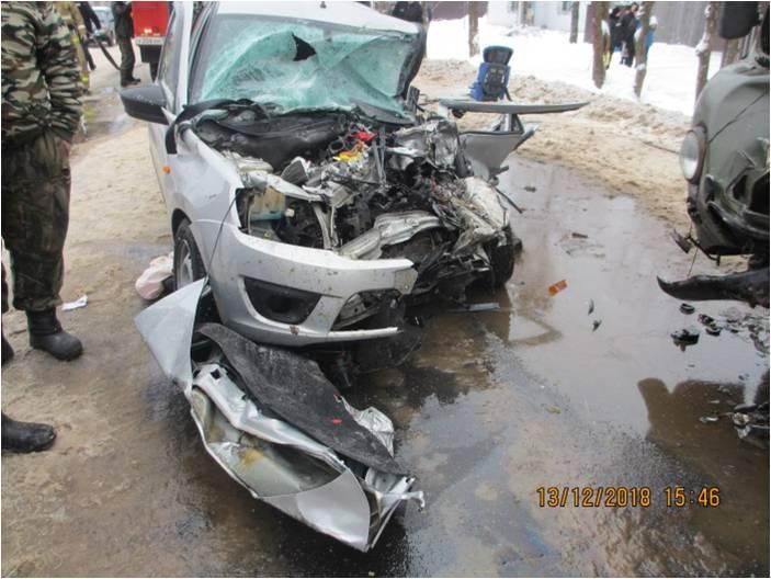 В Ярославской области «Лада» была уничтожена после столкновения с УАЗом: трое пострадавших