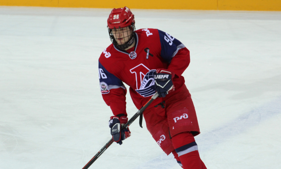 «Локо» на своем льду проиграл молодежной команде СКА