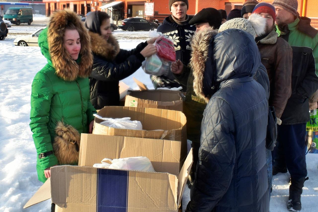 В ярославском храме накормили бездомных и малоимущих