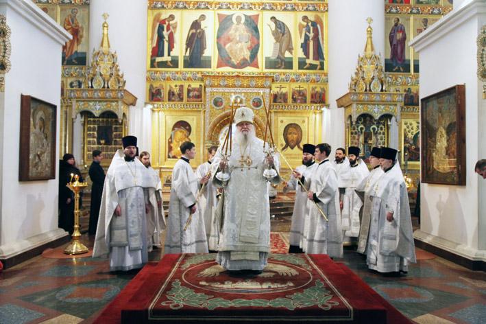 Рождественская литургия прошла в Успенском соборе в Ярославле