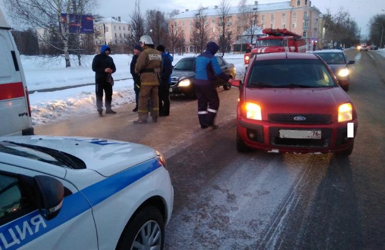 В Рыбинске пешеход попал под колеса легковушки