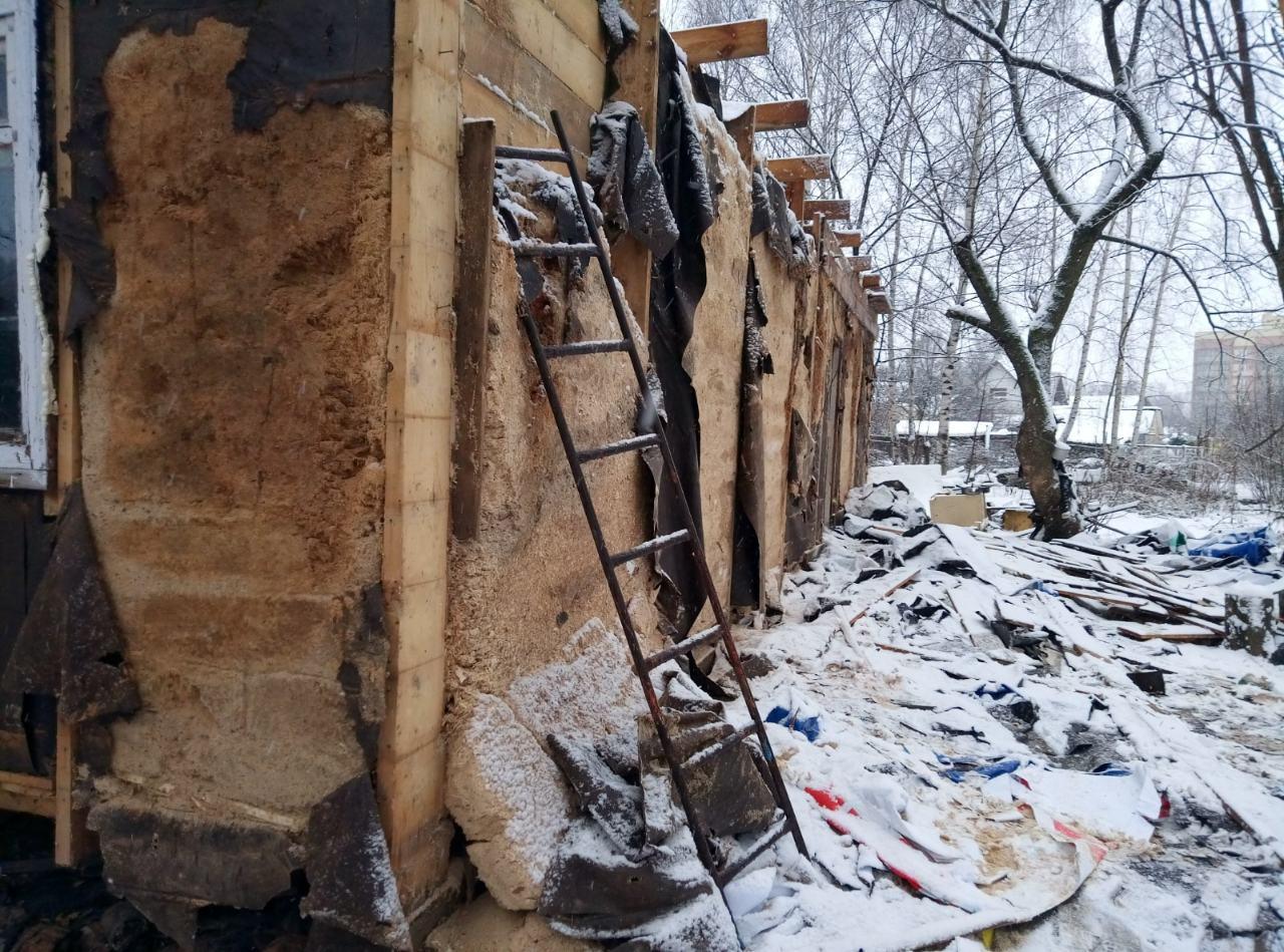 Ярославской семье пришлось разобрать свой дом, построенный на городской земле