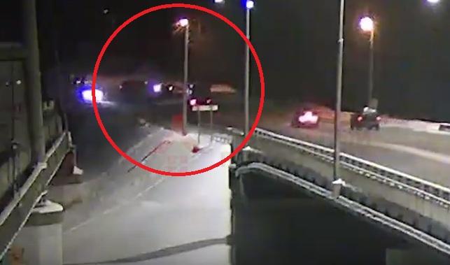 Опубликовано видео с ДТП в Ярославле, в котором погибла женщина