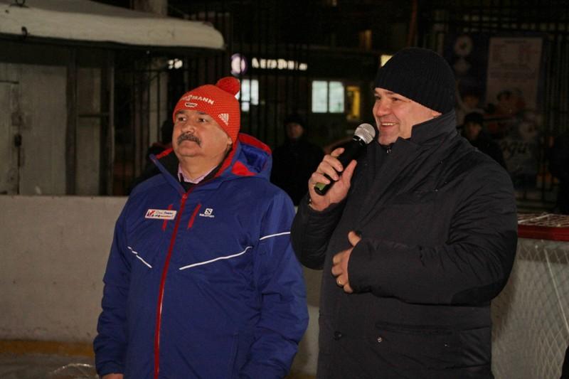Андрей Коваленко подарил рыбинским хоккеистам форму