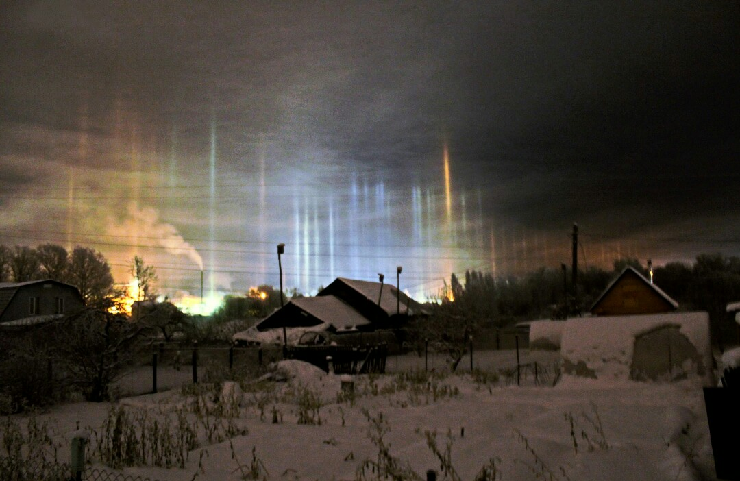 В Рыбинске сфотографировали световые столбы