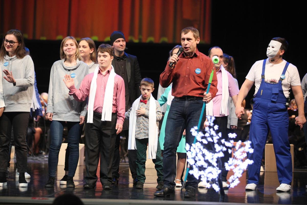 В Ярославле прошел инклюзивный благотворительный спектакль «Мы все из одной глины»: фоторепортаж