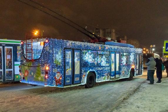 В Ярославле появился еще один «новогодний троллейбус»