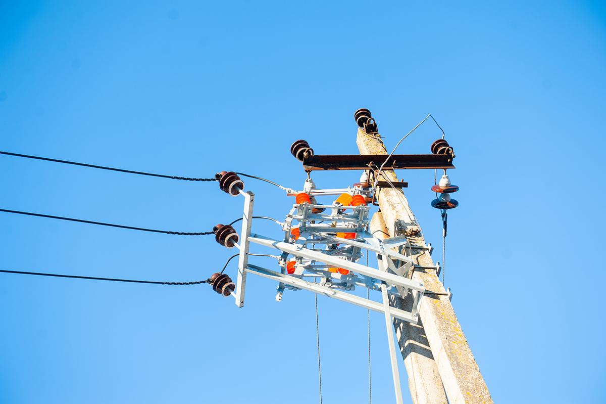 Ярэнерго напоминает: порча электрооборудования уголовно наказуема