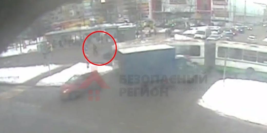 Опубликовано видео жуткого ДТП на Ленинградском проспекте, где погиб пешеход