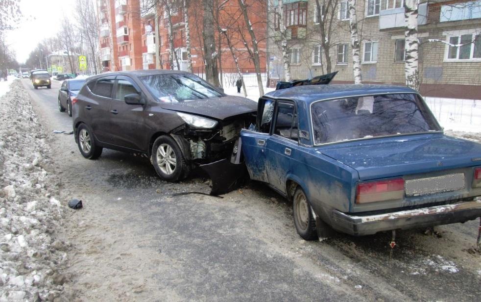 В Ярославле пьяный водитель спровоцировал лобовое ДТП
