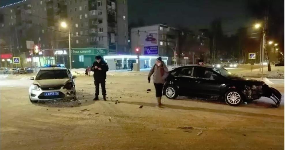 Опубликовано видео ДТП с участием машины Росгвардии в Ярославле